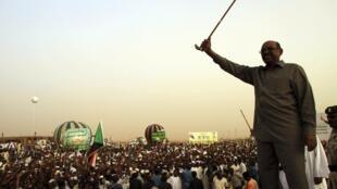 Le 8 juin 2013, le président soudanais el-Béchir a annoncé l'arrêt des importations de pétrole provenant du Soudan du Sud.