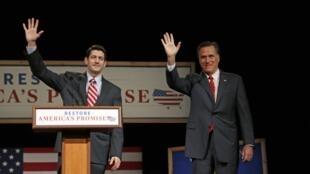Mitt Romney (direita) trouxe Paul Ryan ao palanque em março, quando ainda disputava o posto de candidato nas primárias do Partido Republicano.