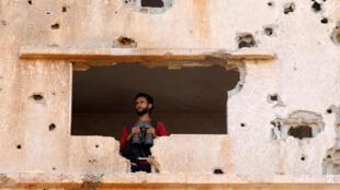 Un combattant de l'Armée syrienne libre (ASL) à Yadouda dans la région de Daraa, le 29 mai 2018.