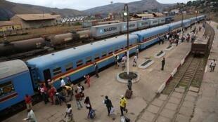 Usafiri wa treni kati ya DRC na Angola