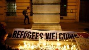 Lors d'une veillée en faveur de l'accueil de réfugiés au Royaume-Uni, ce lundi 7 septembre à Londres.