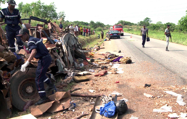 Image d'achives: accident de la route sur la frontière entre le Burkina Faso et la Côte d'Ivoire, mars 2012