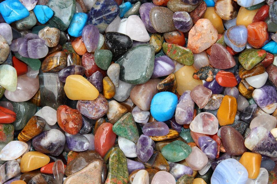 La lithothérapie, littéralement parlant, ce mot veut dire «méthode qui soigne par l'usage des pierres».