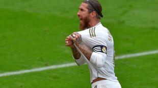 Sergio Ramos celebra el gol de penalti que marcó en el partido liguero entre el Athletic de Bilbao y el Real Madrid disputado el 5 de julio de 2020 en la ciudad vasca de Bilbao