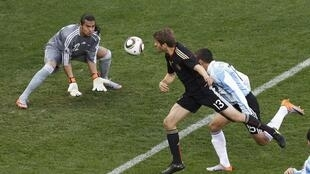 Thomas Müller marca o primeiro gol da Alemanha