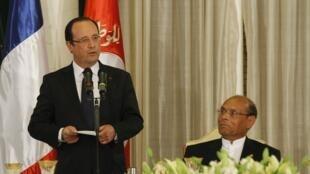 Le président français François Hollande et son homologue Moncef Marzouki à Tunis, le 4 juillet 2013.