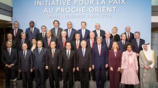 Paris relança paz no Médio Oriente