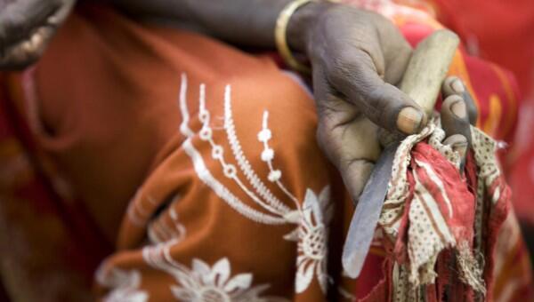 femme exciseuse, à l'occasion de la journée mondiale contre l'excision