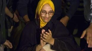 Aminatou Haidar quitte l'hopital de Lanzarote, aux Canaries, le 17 décembre 2009.