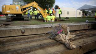 Au cimetière d'Oaklawn lors d'une fouille test à la recherche d'éventuels charniers du massacre de 1921, lundi 13 juillet 2020 à Tulsa.