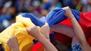 O panorama da economia da Venezuela piora a cada dia. De acordo com o Fundo Monetário Internacional (FMI) recuperar a saúde econômica do país demoraria entre uma ou mais décadas.