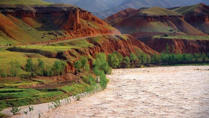 Kogin Harīrūd da yayi iyaka da Afghanistan da kuma Iran.