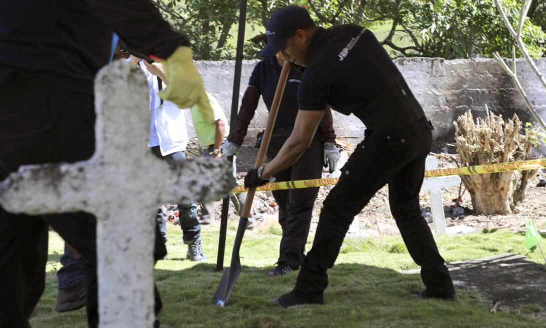Fossa investigada em Las Mercedes, Colômbia.