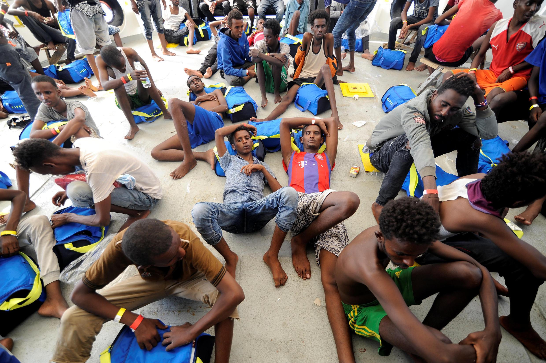 Các di dân được tàu Aquarius của tổ chức Y sĩ Không biên giới (MSF) vớt ngày 10/08/2018.