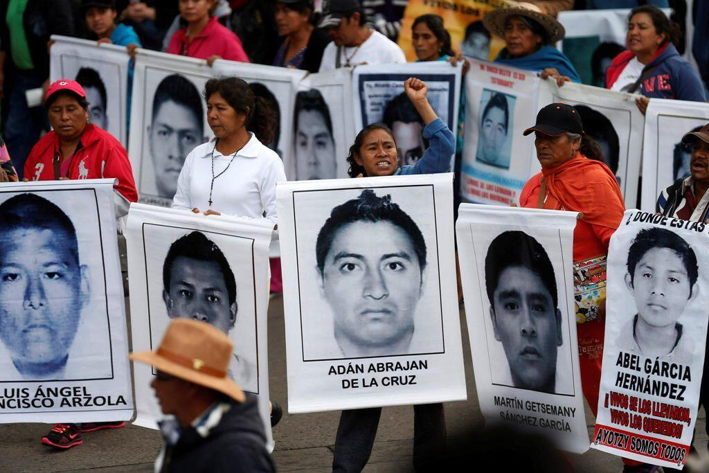 Marcha para pedir justicia para los 43 estudiantes desaparecidos de Ayotzinapa, el pasado 26 de diciembre de 2014 en la Ciudad de México.