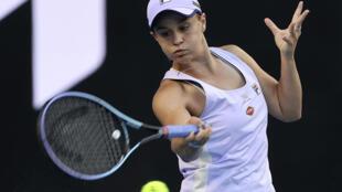 L'Australienne Ashleigh Barty, lors de son match du 3e tour de l'Open d'Australie contre la Russe Ekaterina Alexandrova, le 13 février 2021 à Melbourne