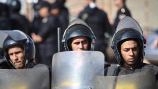 Des officiers de police en Egypte.