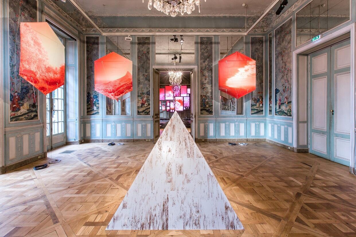 Vista de varias de varias de las obras de Evan Roth en el Museo Mona Bismarck. París 2017.