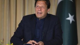 O primeiro-ministro do Paquistão, Imran Khan, suscitou revolta popular por declarações consideradas sexistas.