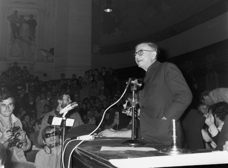 Жан-Поль Сартр перед студентами Сорбонны 22 мая 1968.