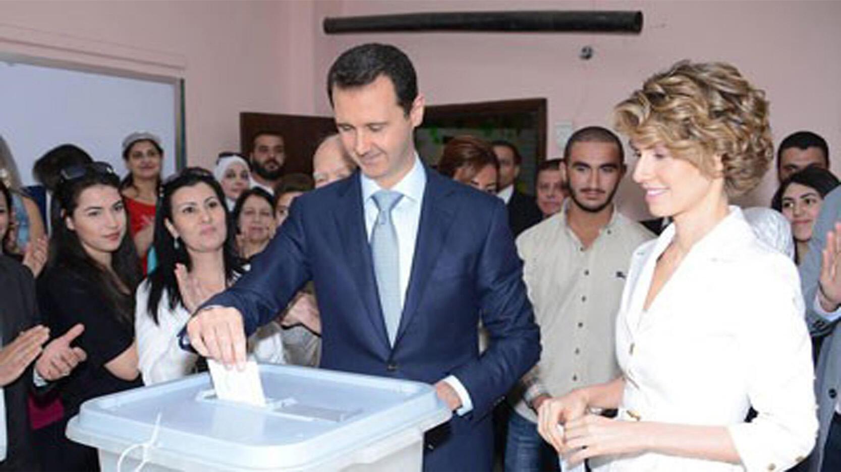Bacahr el-Assad, candidat à sa propre succession, a rempli son devoir électoral dans le centre de Damas ce mardi matin.