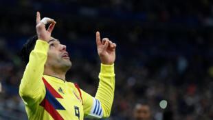 Radamel Falcao celebra em segundo gol de la remontada colombiana frente a Francia (2-3)