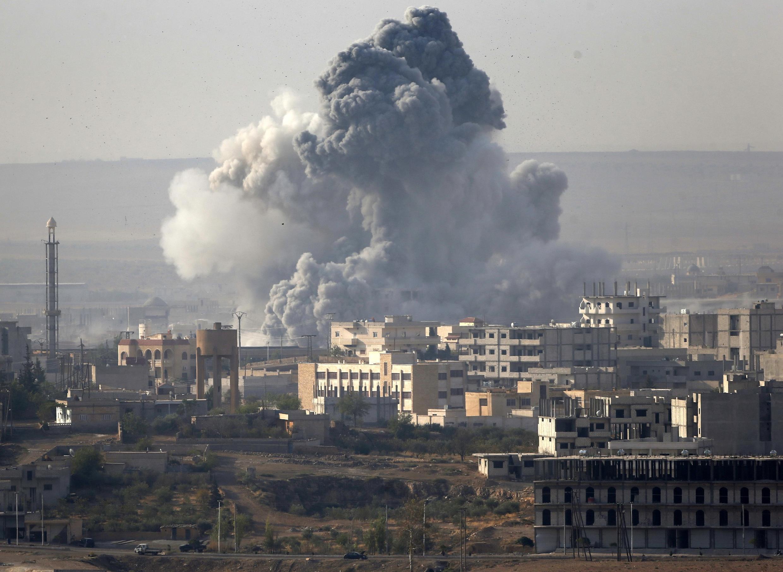 Kobane trong khói lửa. Ảnh ngày 14/10/2014.