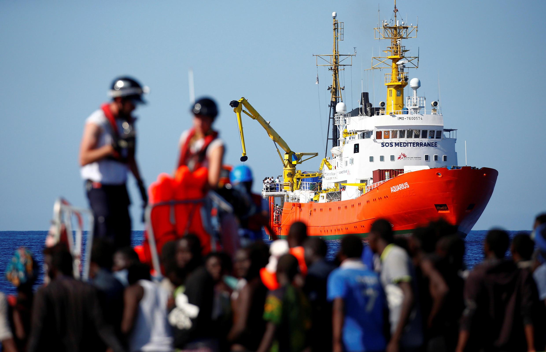 Foto do navio Aquarius na costa Líbia em setembro de 2017
