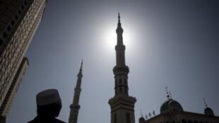 图为中国甘肃一座回民清真寺