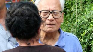 Вин Тин при выходе из тюрьмы, сентябрь 2008 г.