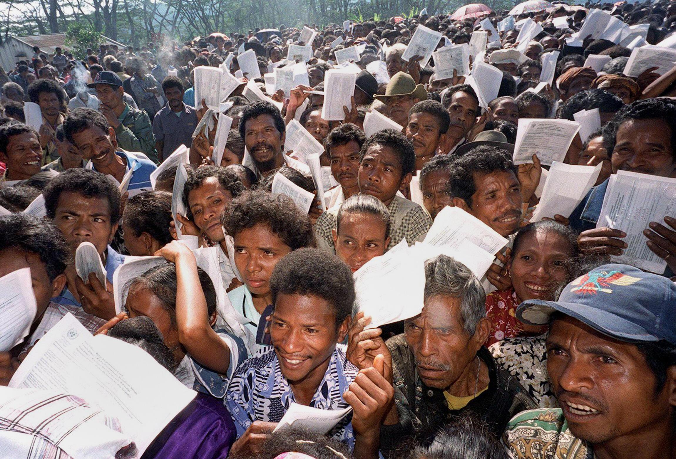 Fotografia tirada a 30 de Agosto de 1999, dia do referendo sobre a independência.