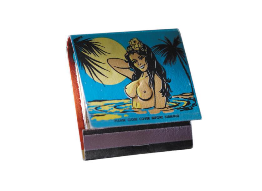 Boîte d'allumettes présentée dans l'exposition «Tiki Pop» au musée du quai Branly.