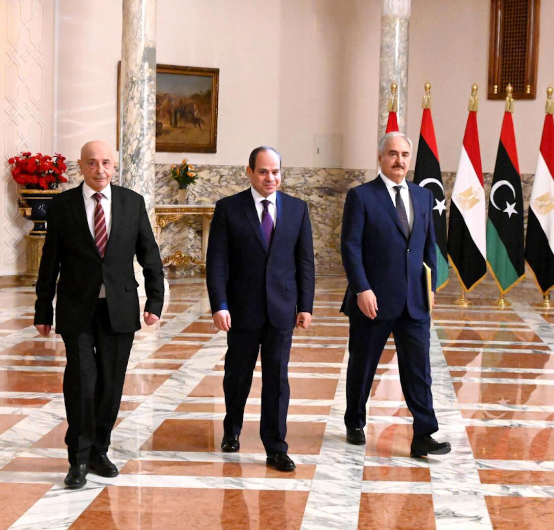 Tổng thống Ai Cập Abdel Fattah al-Sissi (giữa), thống chế Libya Khalifa Haftar (phải) và chủ tịch Quốc Hội Libya Saleh chuẩn bị họp báo tại Cairo ngày 06/06/2020. Ảnh minh họa.