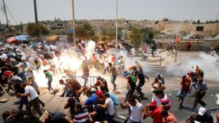 Người Hồi Giáo Palestine đụng độ với cảnh sát Israel trong khu phố cổ Jerusalem ngày21/07/2017.