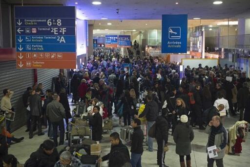 Au mois de juillet 2011, la fréquentation de l'aéroport Charles de Gaulle a été de 6,1 millions.