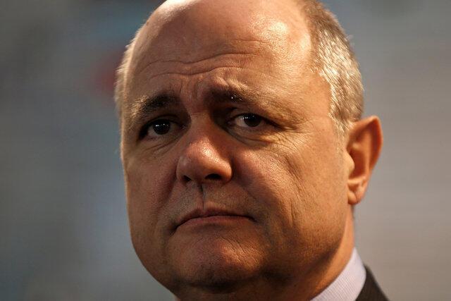 法国陷入干薪门丑闻24小时内辞职的新内政部长勒湖