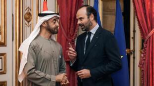 """ادوار فیلیپ، نخست وزیر فرانسه محمد بن زاید آل نهیان، ولیعهد ابوظبی در سفرش به پاریس با ادوارد فیلیپ، نخستوزیر فرانسه، در کاخ """"ماتینیون"""" کاخ نخست وزیری، دیدار و گفتگو کرد. چهارشنبه ٣٠ آبان/ ٢١ نوامبر ٢٠۱٨  ."""