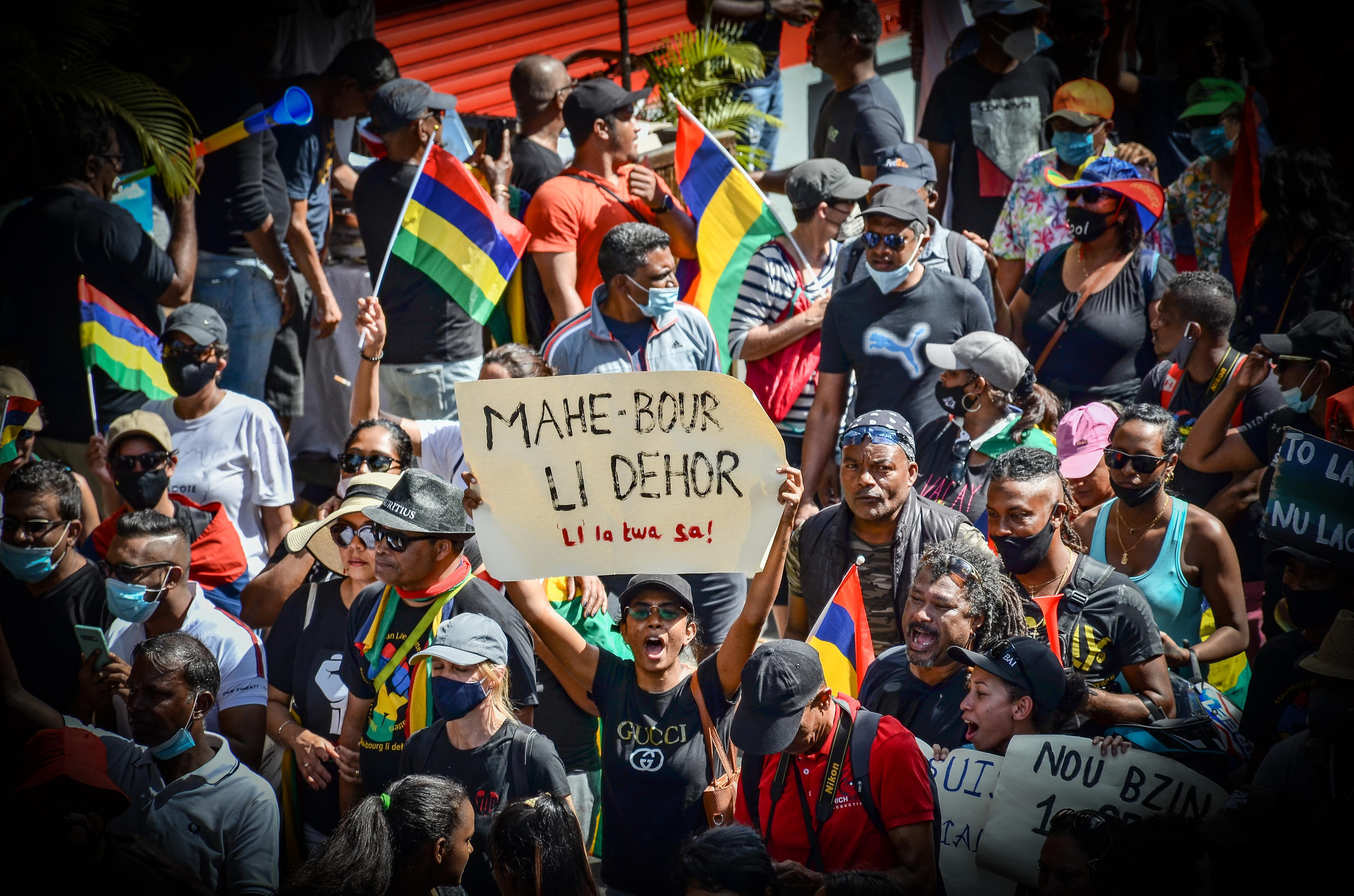 People in Mauritius demonstrated peacefully on 12 September in Mahebourg, holding flags and banners, calling for change.