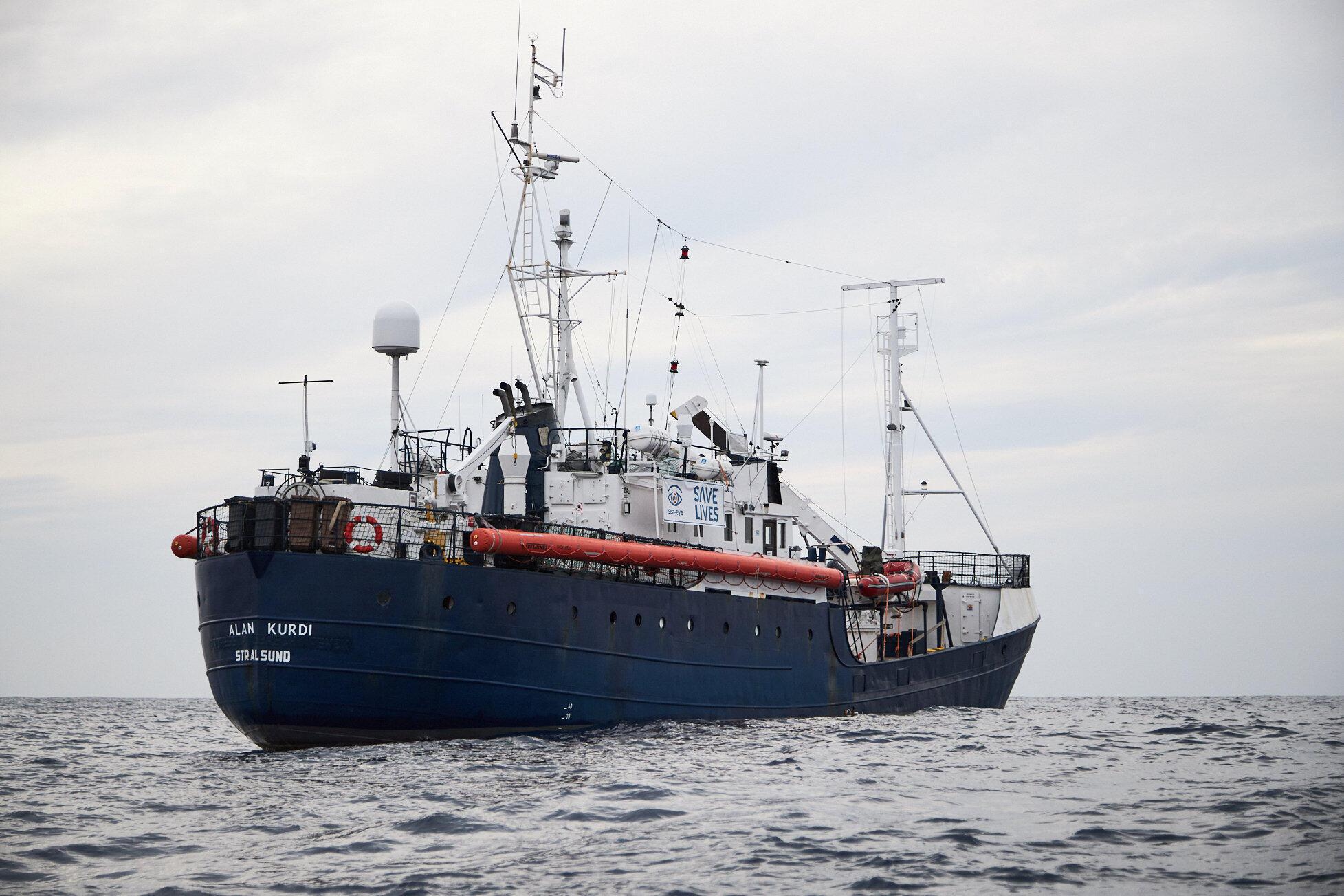 Barco Alan Kurdi  da ONG alemã Sea Eye que ajuda migrantes da costa líbia a chegar a Malta