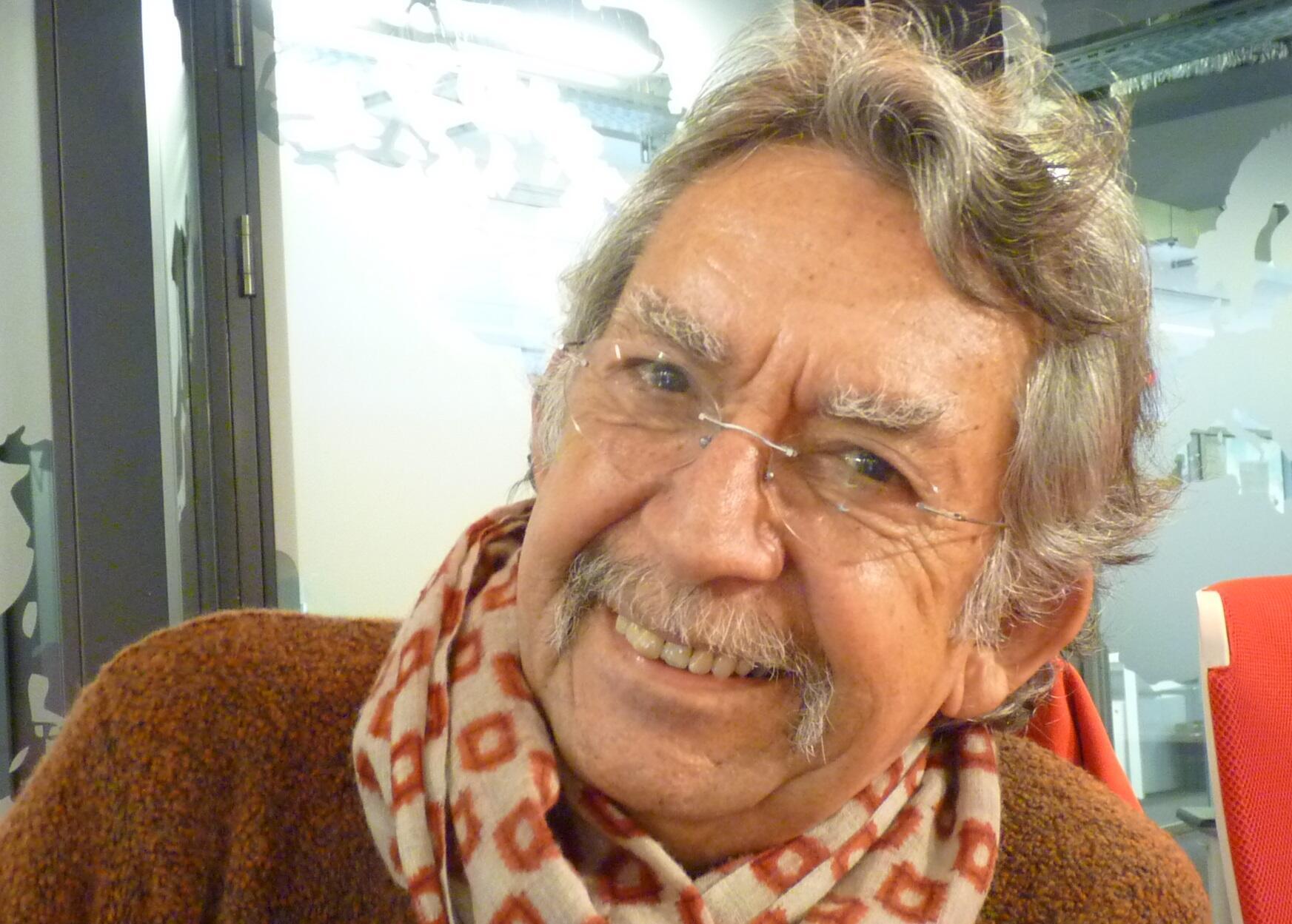 El cantante y escritor chileno Ángel Parra en los estudios de RFI.