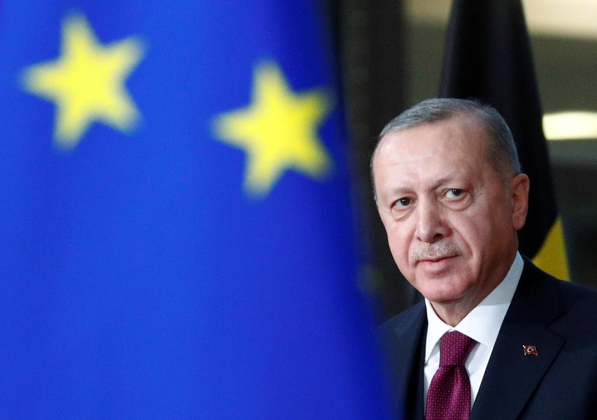 Le président turc Recep Tayyip Erdogan, lors d'une réunion avec le président du Conseil européen Charles Michel, à Bruxelles, en mars 2020.
