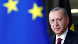 Le président turc Recep Tayyip Erdogan, lors d'une réunion avec le président du Conseil européen Charles Michel, à Bruxelles, le 9 mars 2020.
