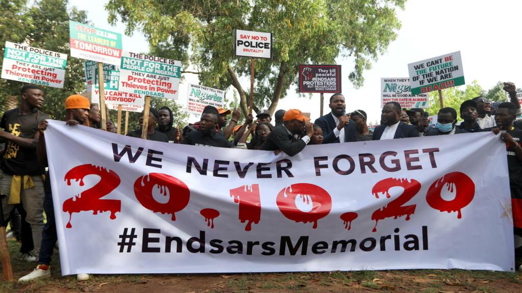 Nigeria: un an après le massacre de Lagos, des manifestations pour rendre hommage