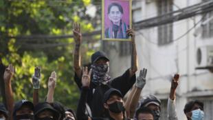 birmanie rangoun aung san suu kyi