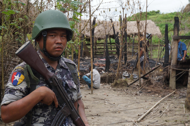 Miến Điện: Một cảnh tượng ở làng Tin May, sau cuôc đụng độ giữa quân đội và lực lượng hồi giáo ở bang Rakhine. Ảnh ngày 14/07/2017.