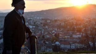 Les prières collectives pour les musulmans ne seront pas autorisées en Bosnie durant le ramadan, en pleine épidémie de coronavirus. Sarajevo, le 23 avril 2020.