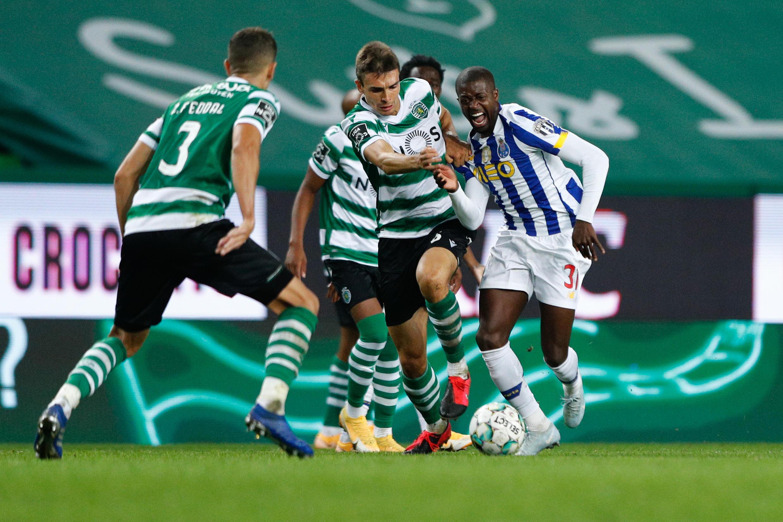 Nanú (direita), defesa e internacional guineense, estreou-se com a camisola do FC Porto.