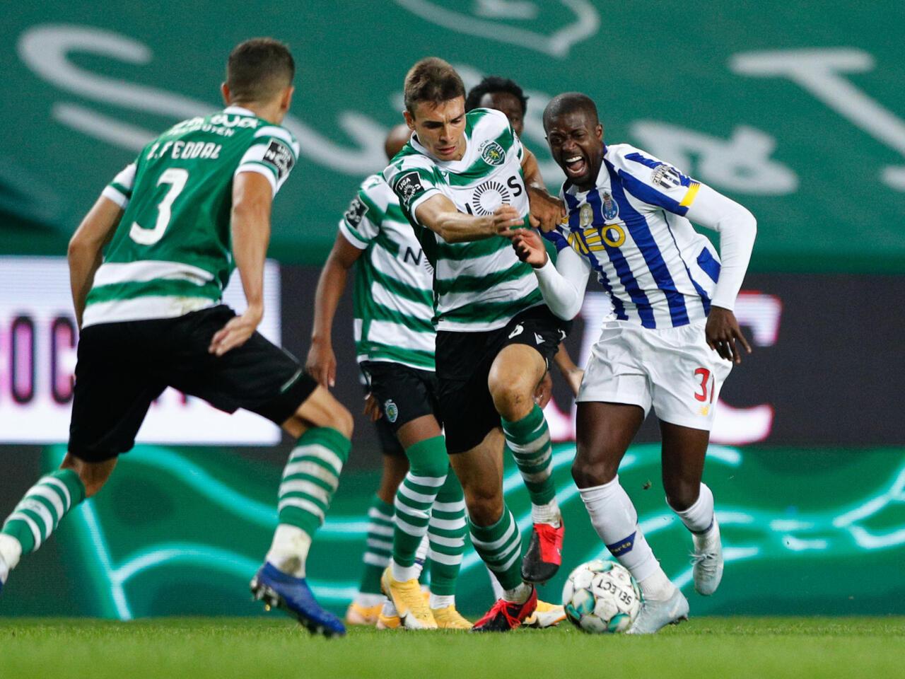 Futebol Fc Porto E Sporting Cp Empatam No 1 Classico Da Epoca