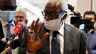 L'ancien président ed lIAAF, Lamine Diack, lors de son arrivée au tribunal de Paris le 8 juin 2020.
