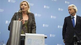 Marine Le Pen, líder da Frente Nacional francesa, e Geert Wilders, líder do Partido da Liberdade (PVV), o terceiro maior da Holanda.